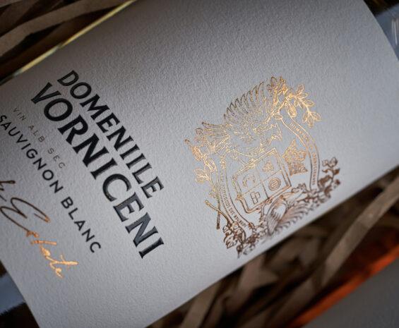 2679Sparkling Wine Label Redesign – Apriori Brut